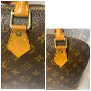 Louis Vuitton Bags - 🌼Authentic Louis Vuitton Alma PM🌼